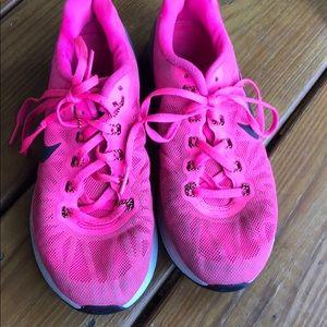 Girls Nike lunarglide size 5.5 youth